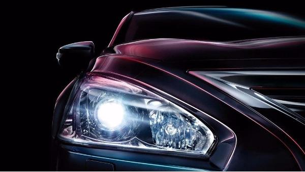 汽车LED灯内部有雾气怎么办?