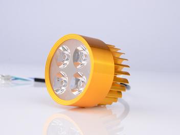 B05-四珠内置LED车灯