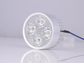 B05-四珠内置LED车