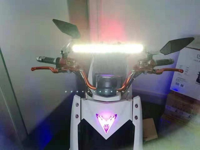 Q007-十二珠直排灯安装效果