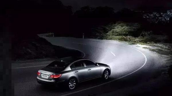 为何众多车主都要改装车灯?